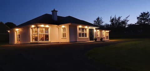 Mitchelstown Beautiful  Holiday Home New For 2021