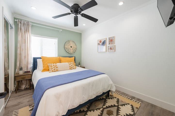 Sage Bedroom - Queen Bed w/ Memory Foam Topper - Smart TV w/ Roku and YouTube TV - Alarm Clock w/ USB Ports for Charging