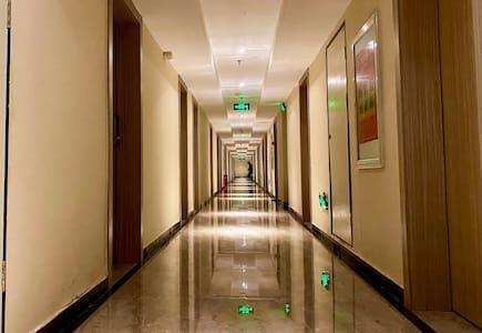 楼层走廊宽敞明亮