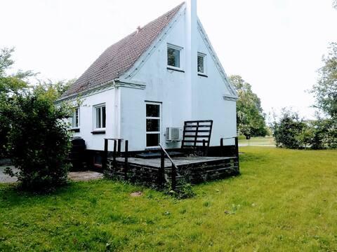 Nydelig familiehus i nærheten av stranden og skogen