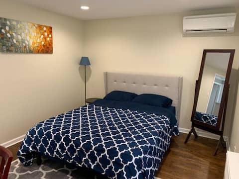 Private Room in a Clean Cozy House w/ Private Bath