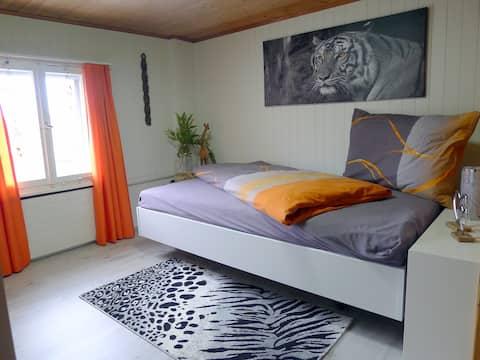 """Zimmer """"Afrika"""" in renoviertem Bauernhaus"""