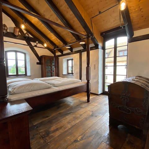 Schlafzimmer 1 - gemütlich und rustikal
