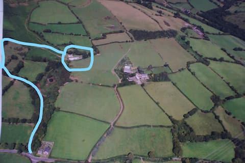 Unique detached self contained farm annex/cottage