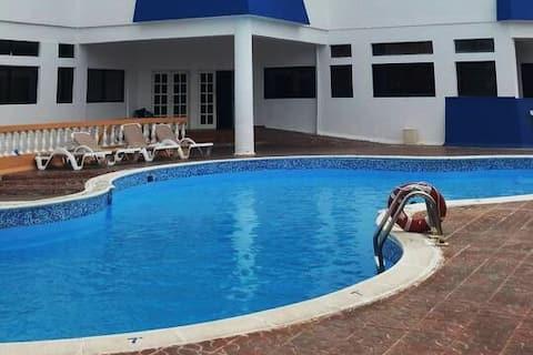 Cozy 2br Apartment w/ Sea View & Pool