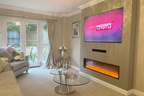 ★Stunning and Modern 4 bed, 5 mins to city centre