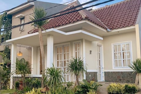 Friendly Homes - Comfortable stays in East Bandung