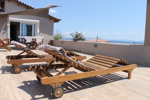 SEA VIEW APARTMENT 15 MIN FROM ATHENS AIRPORT