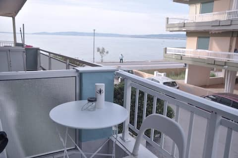 A wonderful apartment in front of the sea!