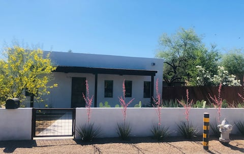 Beautiful New 3bd House w/Pool in Mercado District