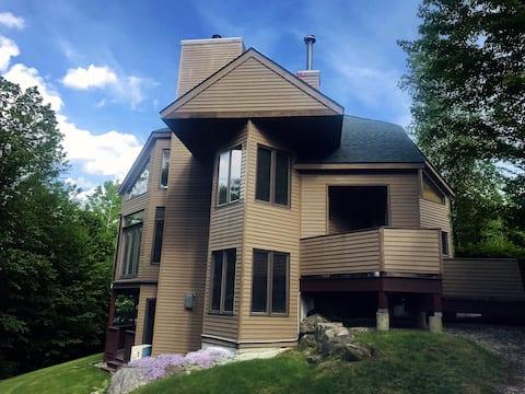 Private end unit townhome in Bretton Woods
