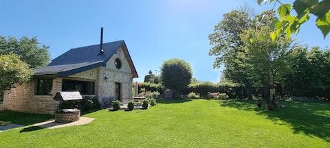 Gîte du Presbytère, 70m2 grand jardin, 15min Rouen