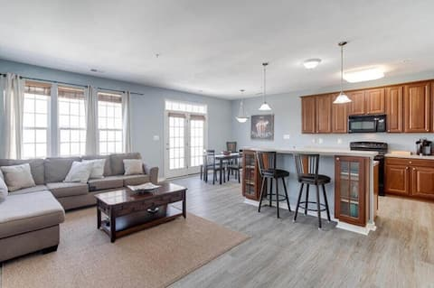 2600 Sq Ft Townhome - minutes from BWI Airport!