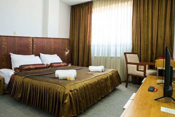 Fresh clean linens and a king-size bed will be there for you. To help you have a nice rest during the night.