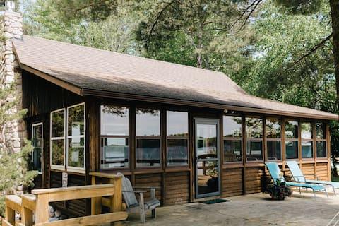Life's a Hoot cabin on Lake Kawbawgam