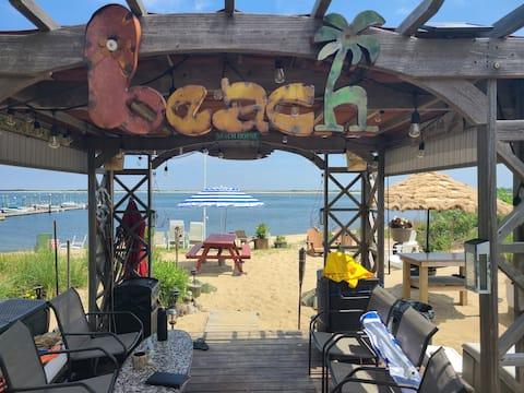 新しく改装されたプライベートビーチ付きのビーチマンション