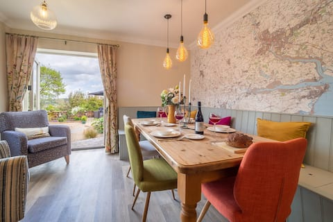 Immaculate renovation with great pubs, views and walks - Box Valley Cottage