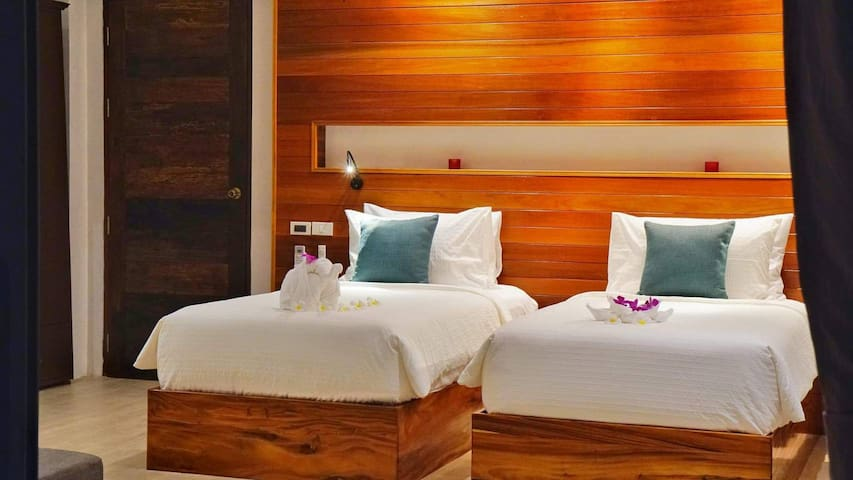 HUA HIN BD #4 (TWIN BEDS OR KING SIZE BED OPTION)