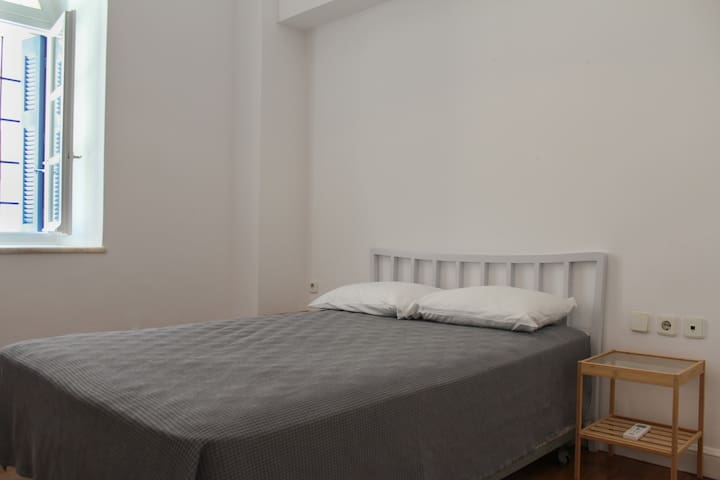 Bedroom w/ Air-conditioning and Double Bed