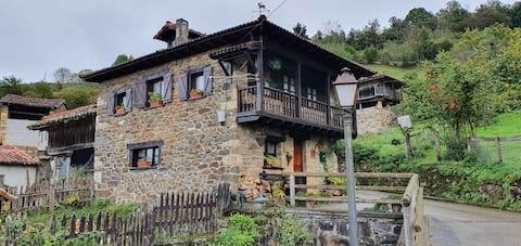 La Casa Rectoral de El Tozu