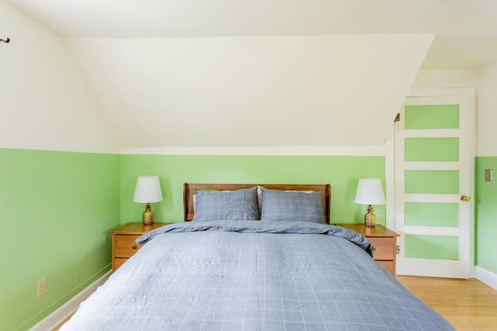 Master bedroom. All beds are queen size with hybrid foam / coil mattresses.