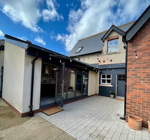 Ruelle - Stunning Three Bedroom Durham Home