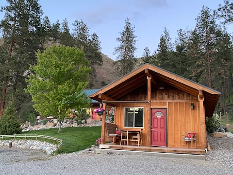 Cozy Cottage at The Lazy Daisy Ranch