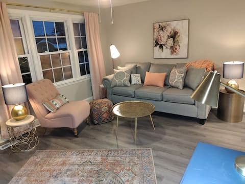 BOHO Glam: Pet Friendly 2 BR Home in Clayton