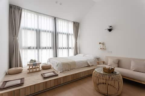 New Free Cleaning Disinfection per Guest 【 Nikko 】 Near Renmin North Road Subway Station & HD Projection & Walking distance to Manjuin & Japanese Simple Cozy 1BR