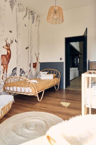 Chambre lit simple + lit bébé