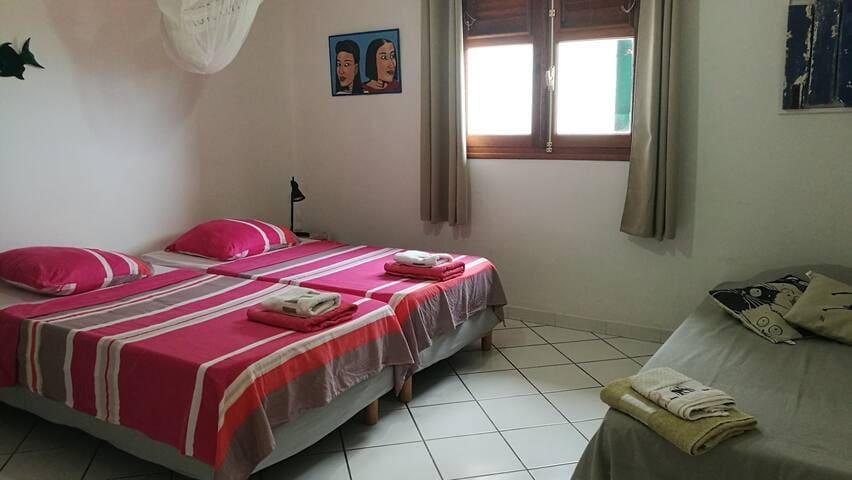 chambre 2, 3 lits 90