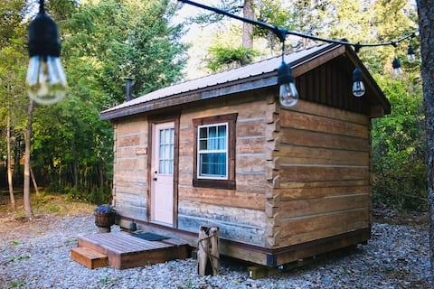 Mini Montana Log Home   Private Lake Access