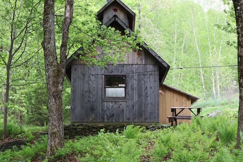 Maple syrup sugar house converted in to a cabin!