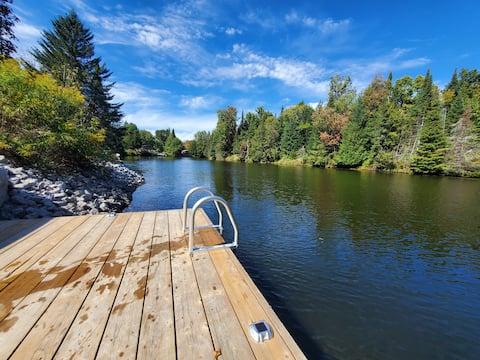 Wood Cabin River Cottage Kayaks/Year Round Hot Tub