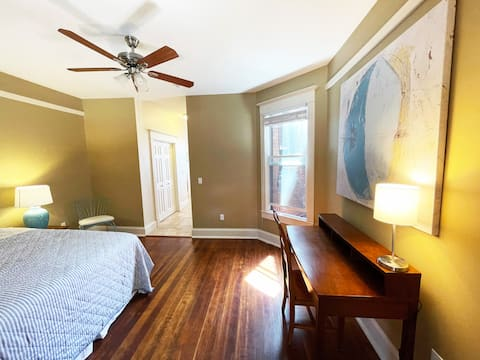Updated, Historic, Ultra-Clean Apartment in Uptown