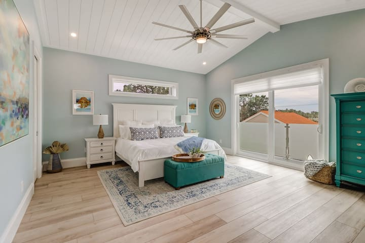 The upstairs master bedroom has a king leesa mattresses and brooklinen bedding