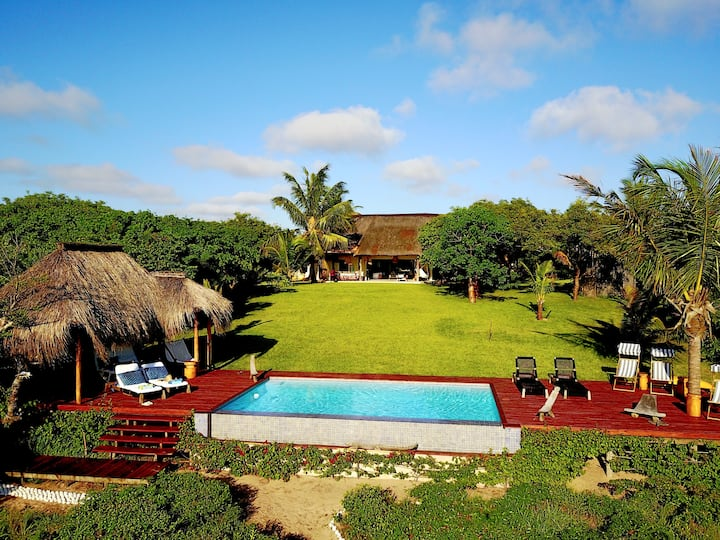 Villa Coco - gorgeous tropical beach villa