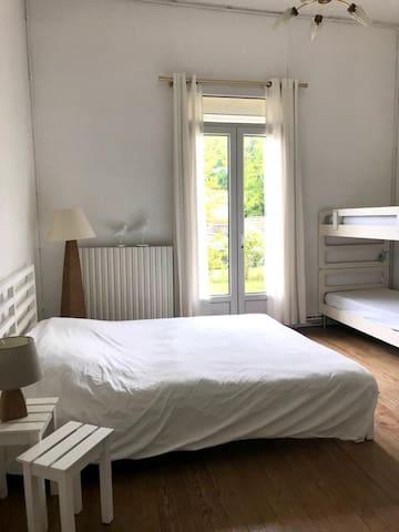 Chambre double avec 2 lits superposés