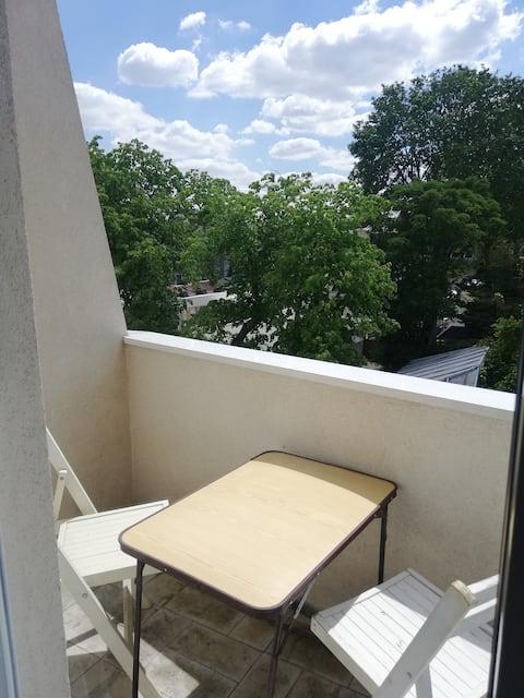 Quiet apartment, 12 mn from Paris