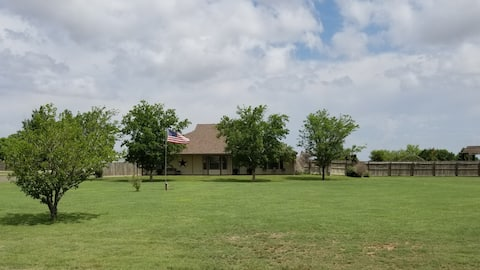 Quiet, Country Get-a-way on 5 Acres to rest/relax!