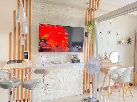 Smart Home Condo with Amazing Sea & City Views