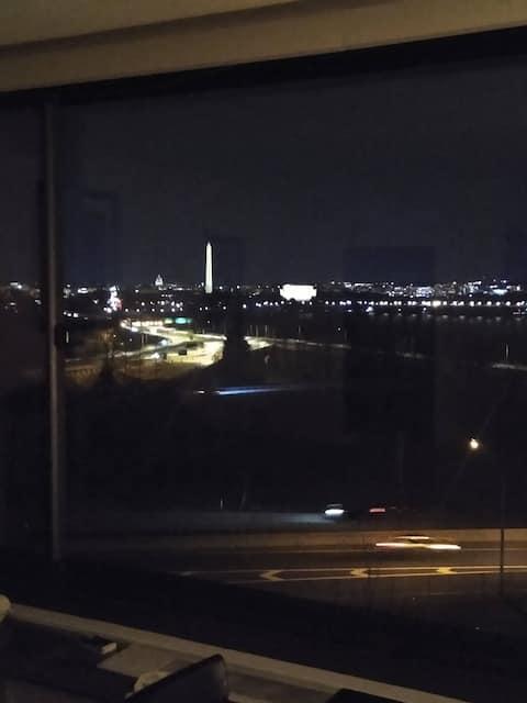 AMAZING VIEW OF  DOWNTOWN WASHINGTON, DC