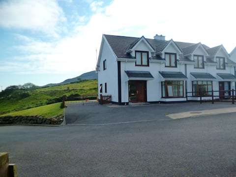 Beautiful three bedroom house with scenic views