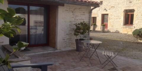 """Gîte """"Les Frênes"""", en pleine nature, proche Niort."""