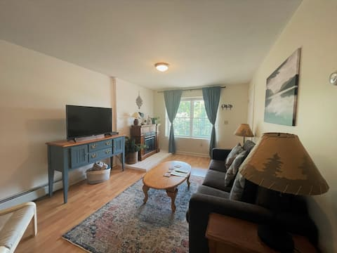 NEW! Perfect apartment in Gunstock and Lakes.