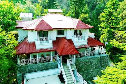 Vibhasa-Ronti-Luxury Room-With BF-Incl Tax