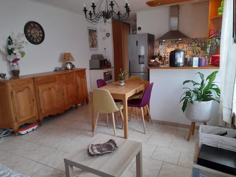 Appartement cosy proche Metz avec place de parking
