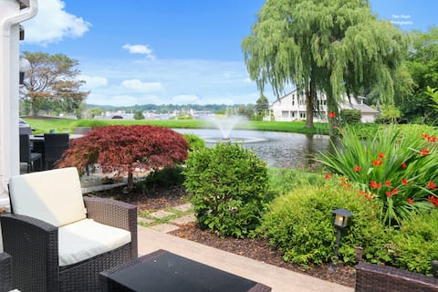 Dog-friendly condo minutes to Downtown & Beach!