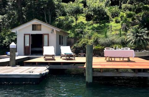 The Boathouse Retreat @ Elvina Bay