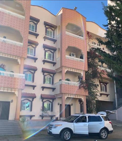 شقة عائلية كبيرة وحديقة Larg apartment and garden